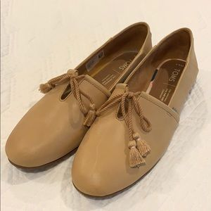 TOMS Nude Leather Flats 8.5